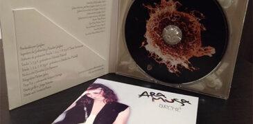 Entrevistamos a Ara Musa y hacemos un viaje por Arché, su último disco.