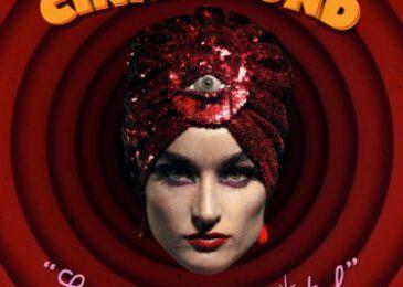 Cintia Lund publica «La Bola de Cristal»
