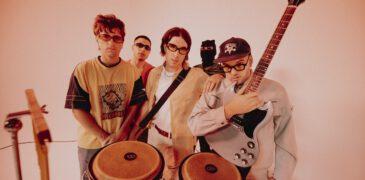 Novedades Carminha homenajean los míticos lyric vídeos con el clip de «Típica cara»